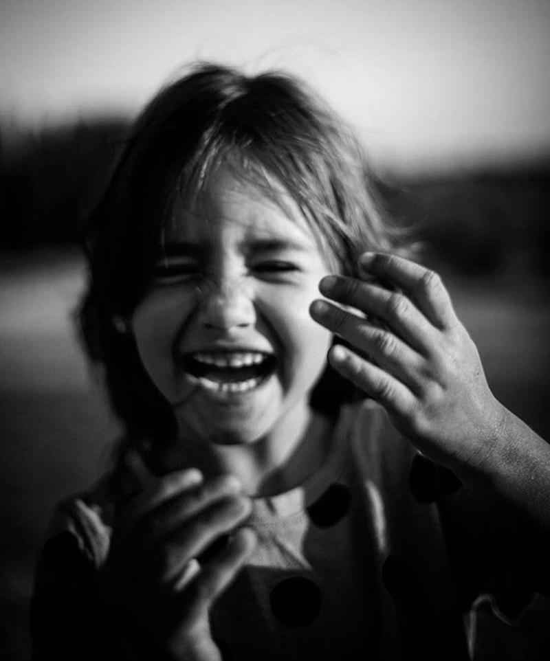 retos-de-verano-diversión-retrato-blanco-y-negro